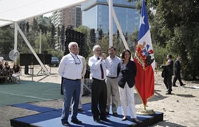 Presidente Piñera y ministra Silva inician obras que eliminarán Rotonda Pérez Zújovic